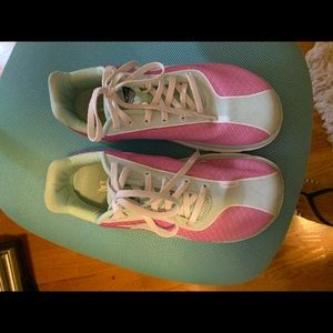 Women's Altra zero drop One 2.5 sneaker size